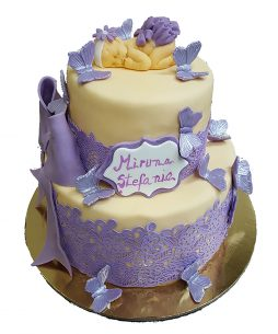 tort dantela botez